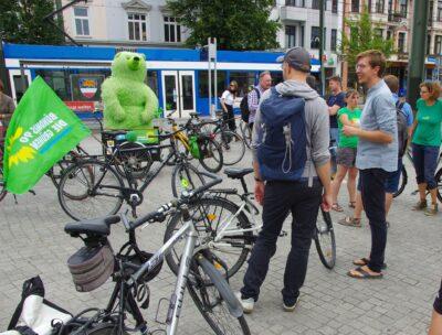 Protest für die fahrradfreundliche Umgestaltung Rostocks